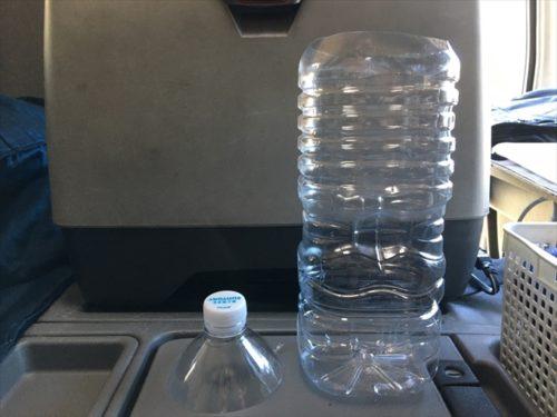 トラック運転手トイレ、ペットボトルの画像