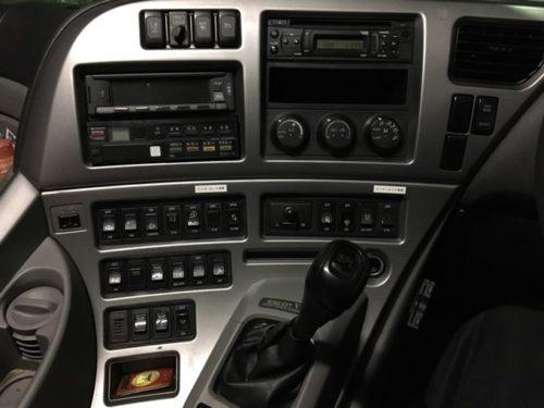 日産UDクオンの車内の画像1
