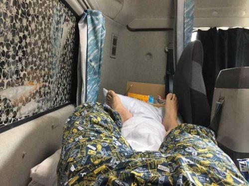 大型トラックの寝台画像3