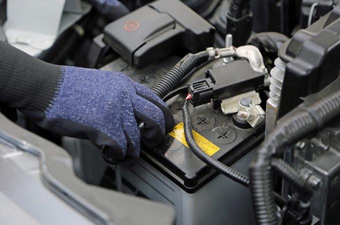 車バッテリー電圧正常値
